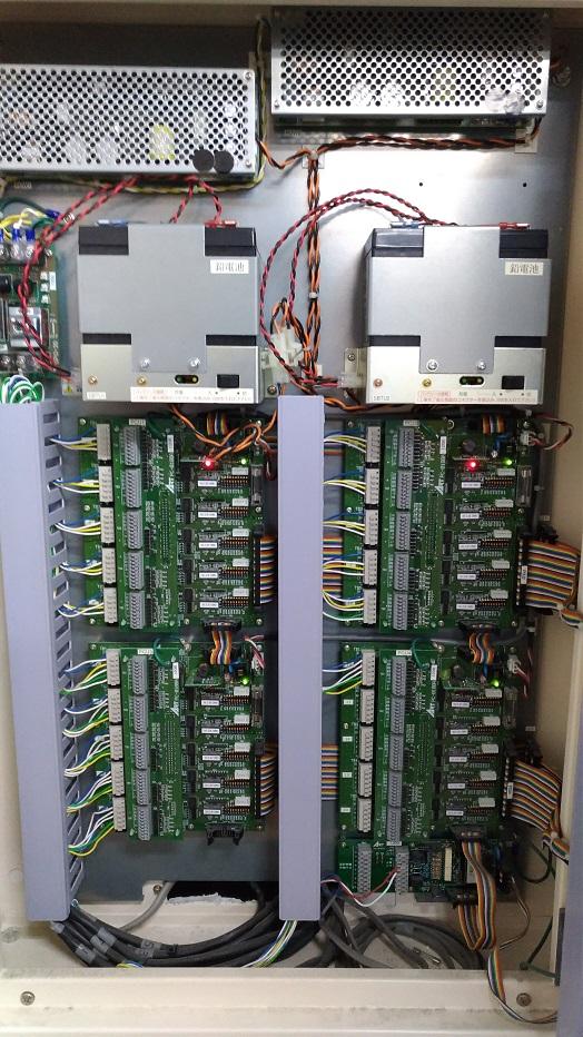 20回線の制御盤で16回線使用。
