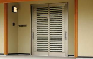 戸先錠ですが昔と違いシリンダーだけの交換も可能です。