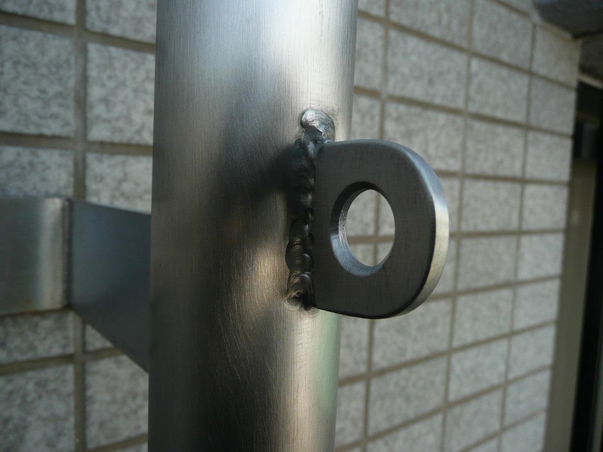 南京錠を掛けるリングを溶接