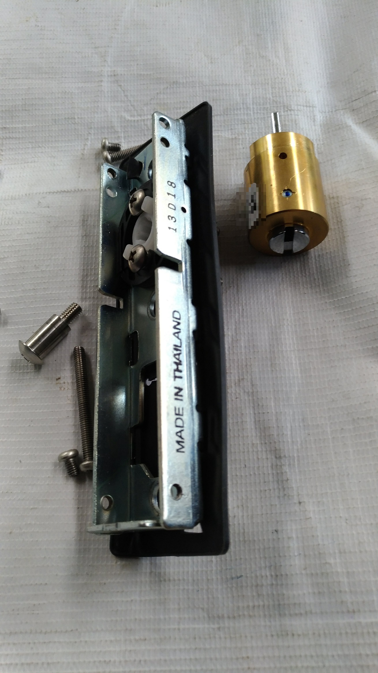 非常解錠用キーシリンダーはこのシリーズ専用品。
