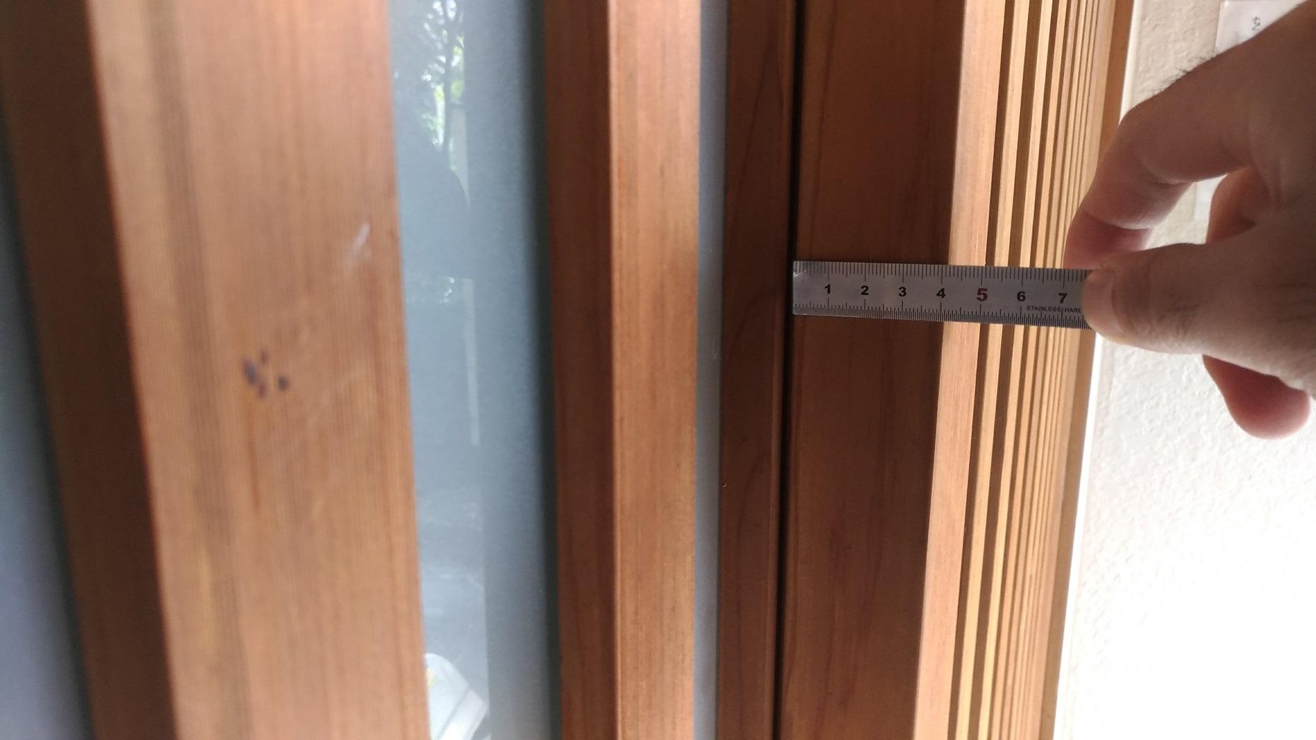 扉厚41mmもあります。