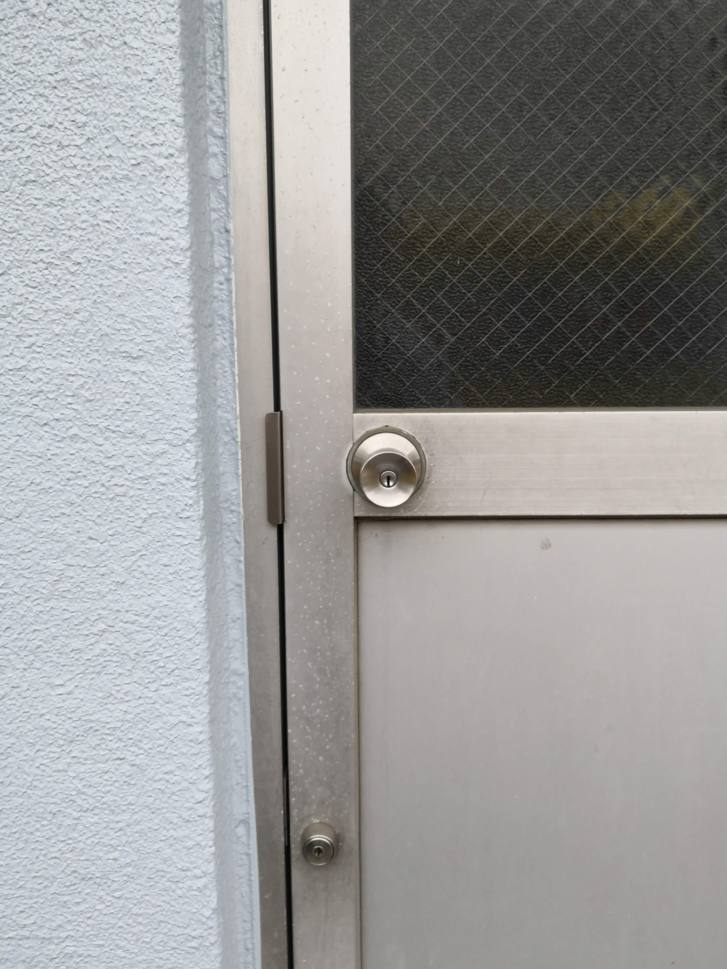 取り付け前室外側