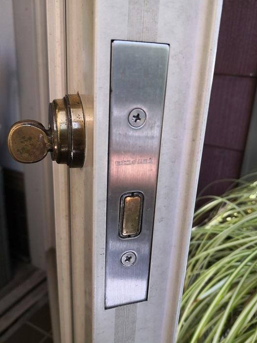 補助の本締り錠も「セキスイハウス」