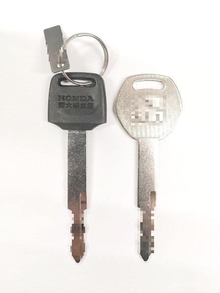 右が作製した合鍵