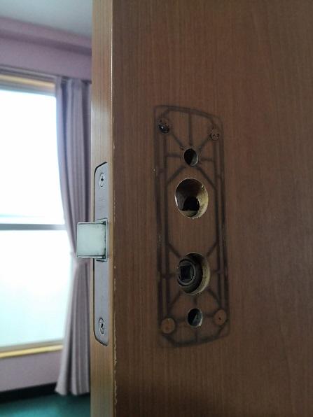 錠ケースは既設の物を流用します。